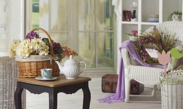 Декорирующие элементы в интерьере дома в стиле прованс