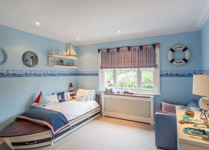 Детская комната для мальчика в морской тематике