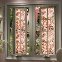 Окна с витражами в загородном доме в стиле прованс