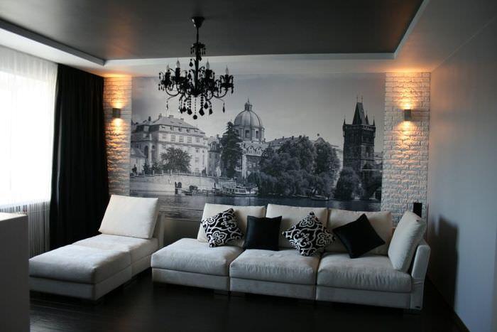 Черно-белые фотообои на стене гостиной