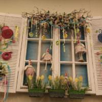 Праздничное оформление окна перед Пасхой