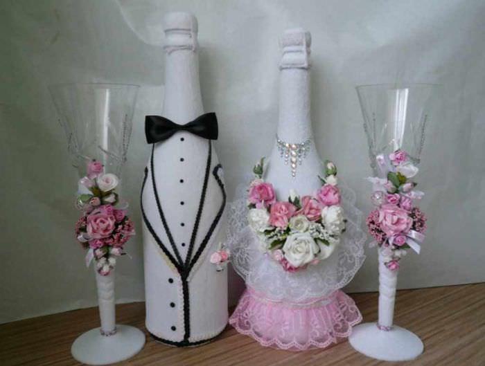 пример яркого оформления декора свадебных бокалов