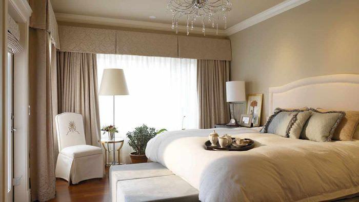 вариант светлого оформления дизайна стен в спальне