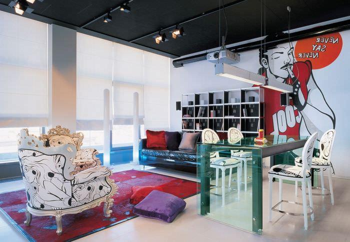 вариант необычного дизайна дома в стиле поп арт