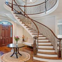 идея красивого стиля лестницы в честном доме картинка