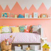 идея сочетания яркого персикового цвета в дизайне квартиры картинка
