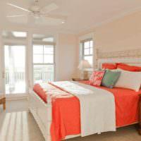 вариант сочетания необычного персикового цвета в дизайне квартиры картинка