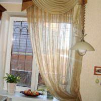 вариант необычного стиля окна на кухне фото