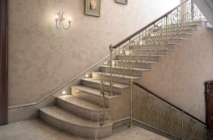 пример светлого дизайна лестницы в честном доме