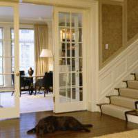 идея яркого стиля лестницы в честном доме фото