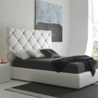 идея яркого дизайна изголовья кровати фото
