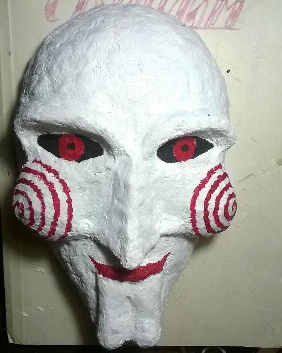 Покраска африканской маски для декорации интерьера