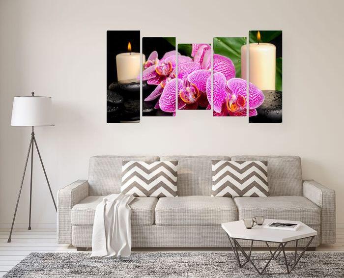 Модульная картина из 5 полотен над диваном