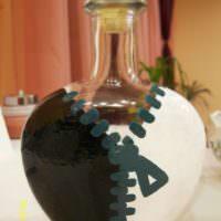 Декор бутылки в виде молнии-застежки