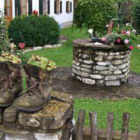Цветочные горшки из старых ботинок