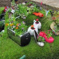 Садовые поделки из ненужных вещей