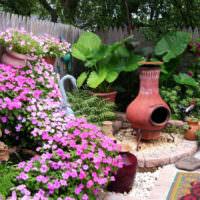 Оформление садовой клумбы своими руками