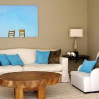 Окрашенные стены в интерьере гостиной