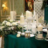 Свечи в убранстве свадебного стола
