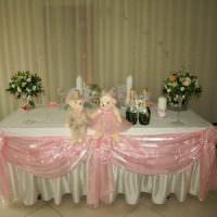 Оформление свадебного стола мягкими игрушками
