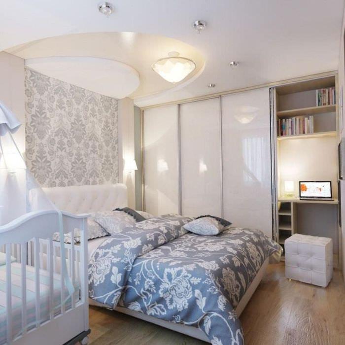 Люстра в спальне площадью 12 квадратных метров