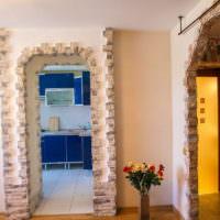 Оформление арок дверных проемов плитками натурального камня
