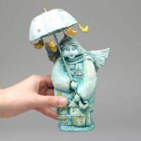 Сказочная статуэтка из папье-маше для оформления интерьера