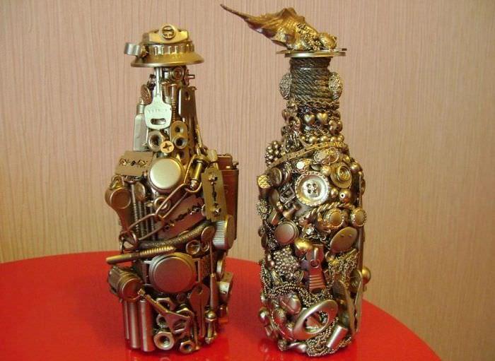Вариант оформления бутылки в подарок на 23 февраля