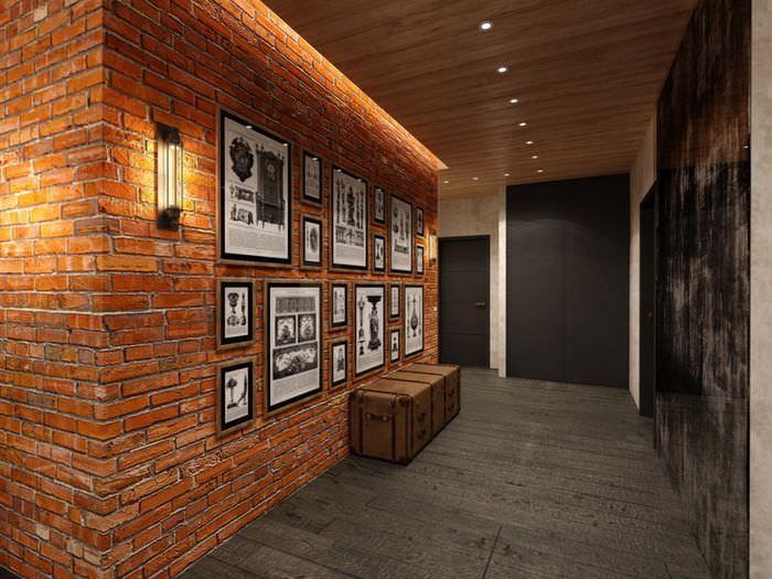 Прихожая в стиле лофт с облицовкой стен декоративным камнем