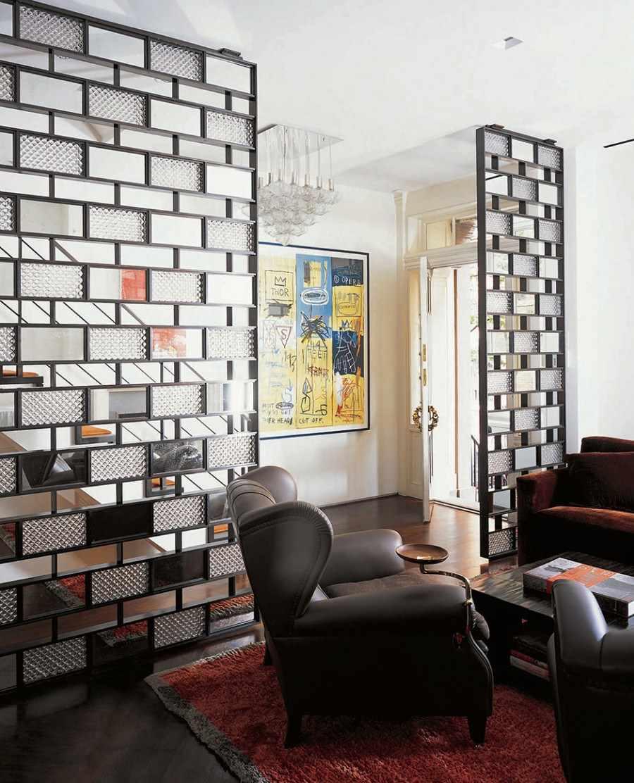 пример применения перегородки в интерьере комнаты