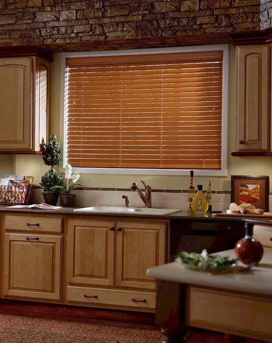 Фотообои красные маки на кухне что основу
