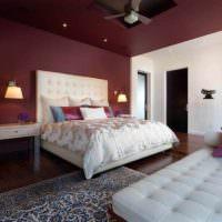 вариант яркого украшения декора стен в спальне фото