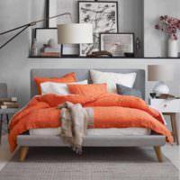 вариант сочетания светлого персикового цвета в декоре квартиры картинка