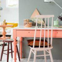 вариант сочетания яркого персикового цвета в дизайне квартиры фото