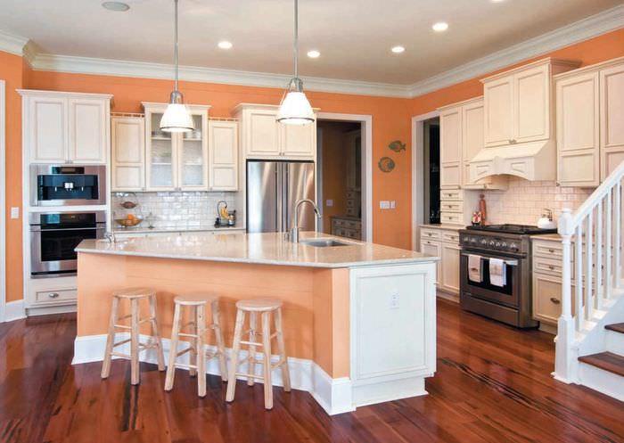 вариант сочетания необычного персикового цвета в дизайне квартиры