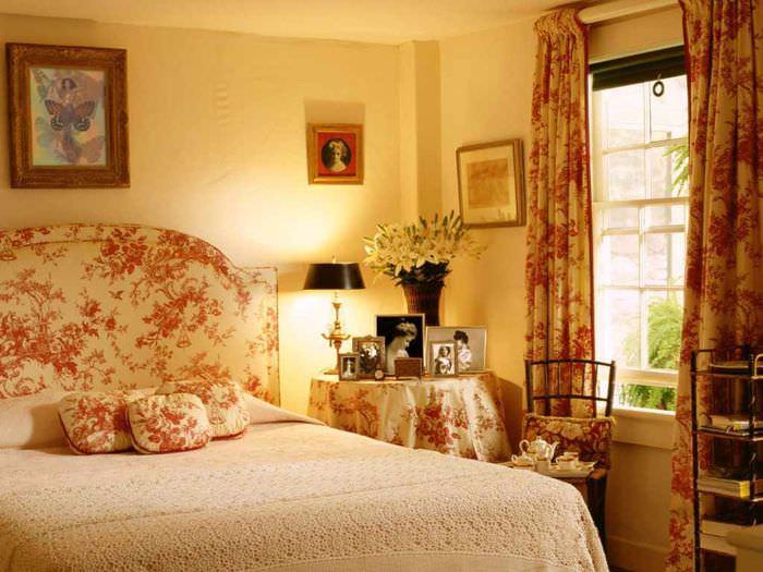 пример сочетания красивого персикового цвета в интерьере квартиры