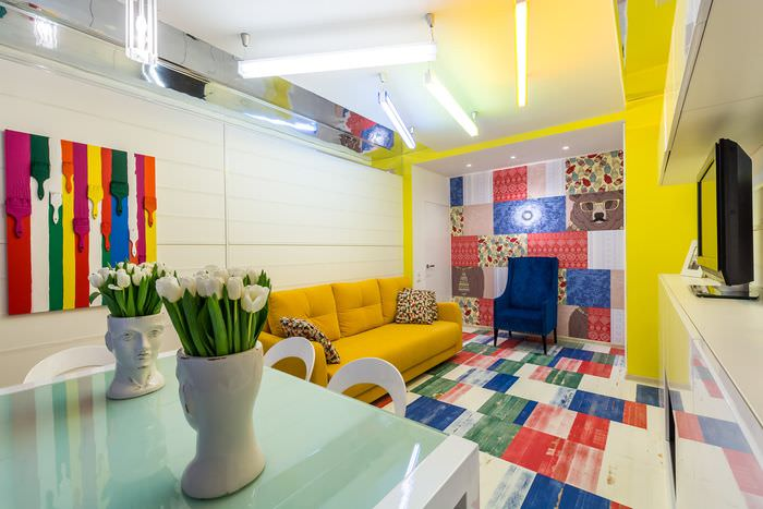 вариант красивого интерьера комнаты в стиле поп арт