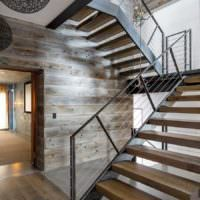 вариант необычного стиля лестницы в честном доме картинка