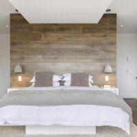 пример светлого украшения декора стен в спальне фото