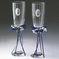 вариант яркого украшения стиля свадебных бокалов фото