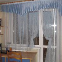 пример красивого стиля окна на кухне картинка
