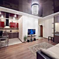 пример необычного интерьера потолка кухни картинка