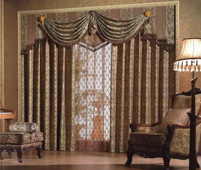 Шторы с ламбрекеном в интерьере гостиной