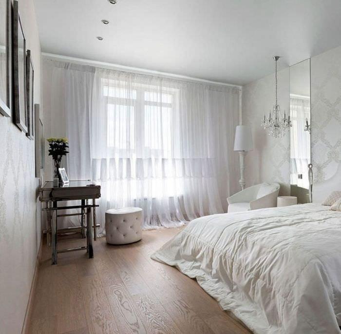 Спальня 12 квадратов в белых тонах