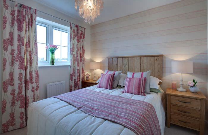 Декорирование спальни 12 кв метров текстилем в пестрых тонах