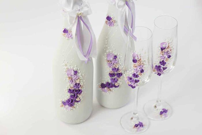 вариант красивого оформления декора свадебных бокалов
