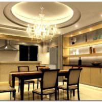 пример красивого интерьера потолка на кухне картинка