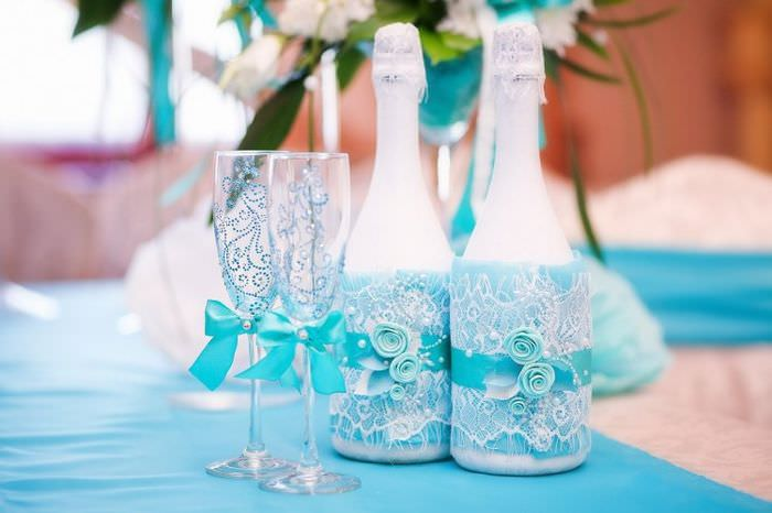 Декорирование шампанского на свадьбу кружевом своими руками