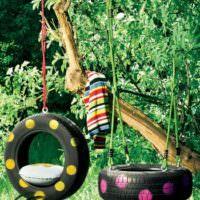 Садовые качели из автомобильных покрышек