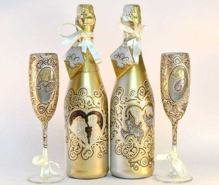 Декорирование шампанского на свадьбу в технике декупажа